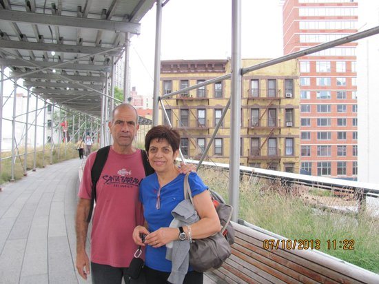 The High Line: High Line Park