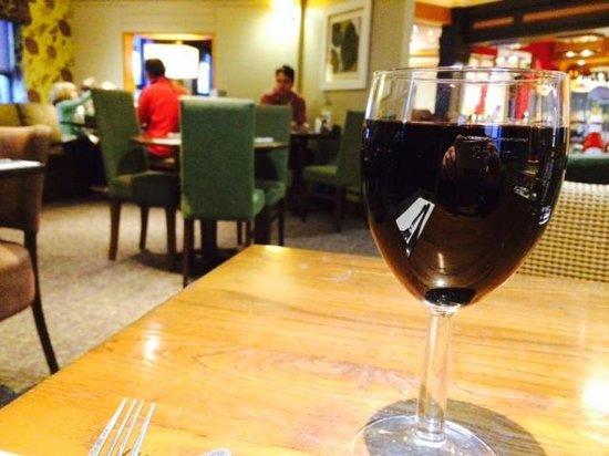 Premier Inn Hemel Hempstead West Hotel: Lovely cosy restaurant