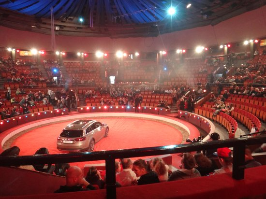 Capital Circus of Budapest: Stage with sponsor's car.