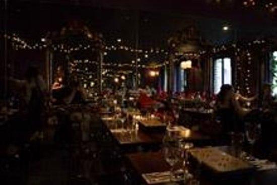 Chameleon Restaurant: Romantic setting