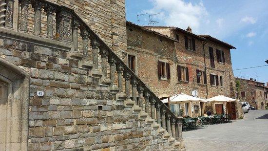 Osteria Il Campanellino: vicino alla chiesa