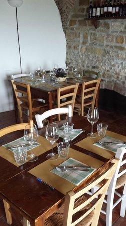 Osteria Il Campanellino: i tavoli