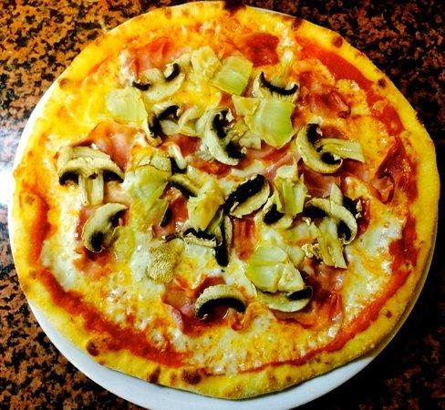 Gasthof Rustical: Pizza Capriciosa