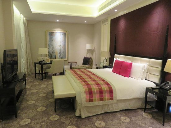 Resorts World Sentosa - Hotel Michael: 寝室