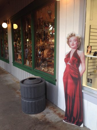 Old Town: Marilyn