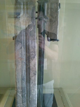 Palacio de Mondragon: Molde para hacer espadas.
