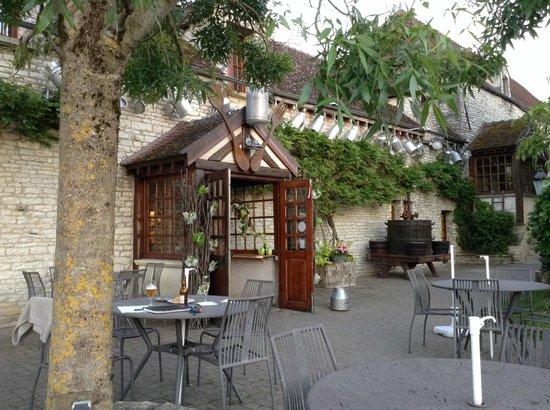 Hotel Auberge de la Beursaudiere: Front entrance
