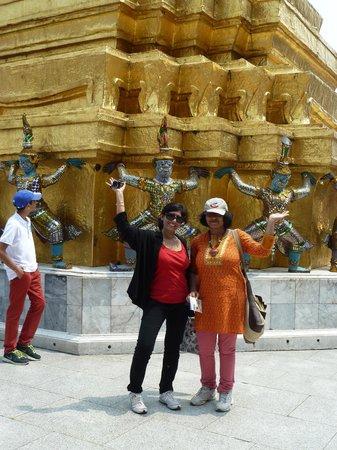 Temple du Bouddha d'Émeraude (Wat Phra Kaeo) : At Wat Phra Kaew