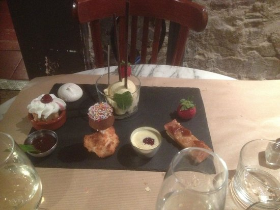 Le Petit Gaveau: platter that comes with coffee