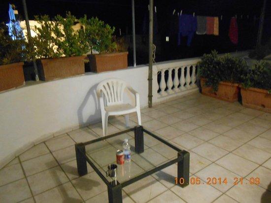 Ring Hostel: Taras