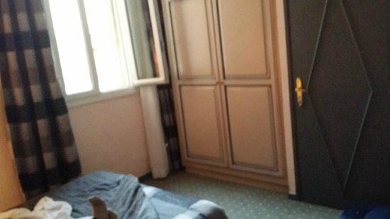La Garbure : Chambre minuscule