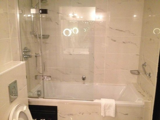 Hampton Hotel: Brilliant shower