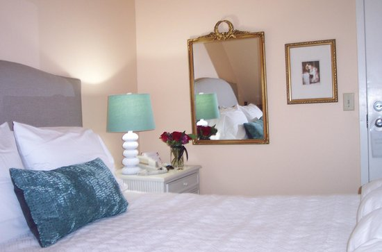 York Harbor Inn : room interior