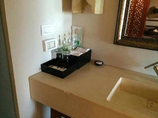 Rawai Palm Beach Resort : Produit de bain/douche