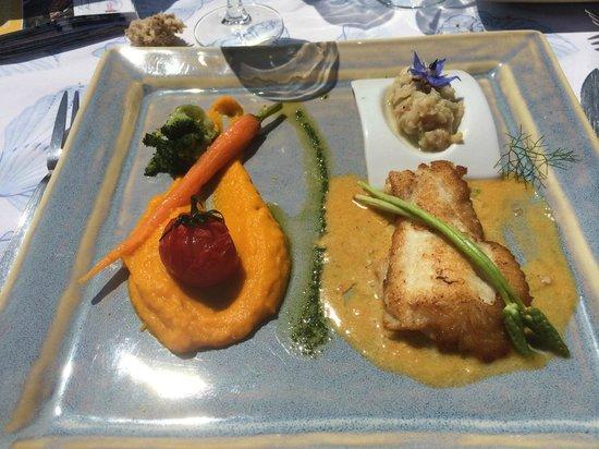 Hotel & Restaurant Belle Vue : Plat de poisson du menu à 27 euros
