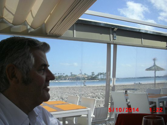 Sa Gavina Puerto de Alcudia: The view of the sand and beach is so relaxing in good company