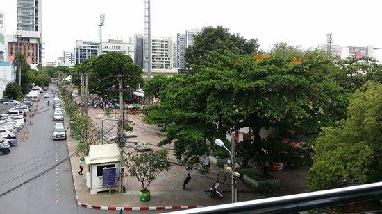 Novotel Bangkok Ploenchit Sukhumvit : Close to the hotel