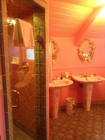 Madonna Inn: More pink.