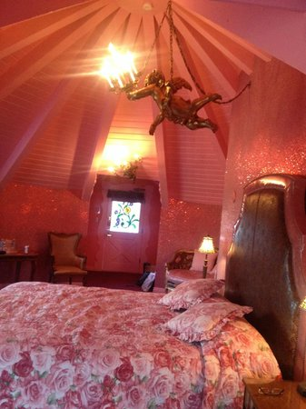 Madonna Inn: Did I mention all the pink?