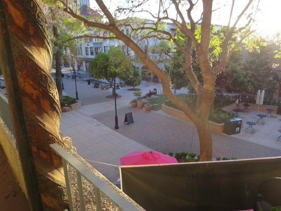 The Mission Inn Hotel and Spa: View to pedestrian mall