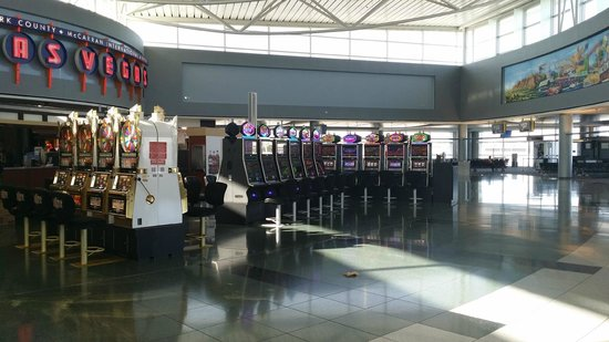 Aeropuerto Internacional McCarran: the airport