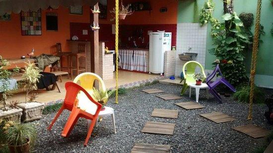 Biergarten Hostel: Varandinha pra bater um papo..