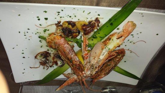 La Chiglia: grilled shellfish