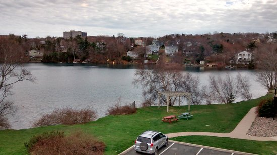 Best Western Plus Chocolate Lake Hotel : View from our rooms