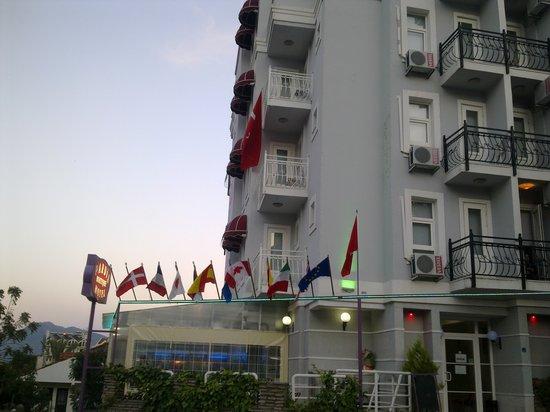 Hotel Pardis