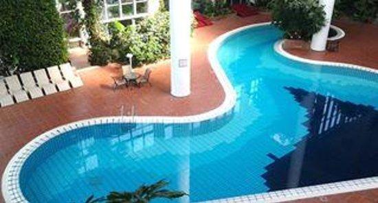 Pine Bay Holiday Resort: indoor pool