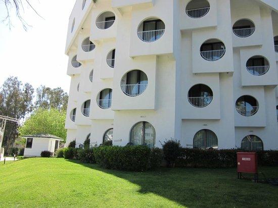 Maritim Hotel Saray Regency : bâtiment annexe