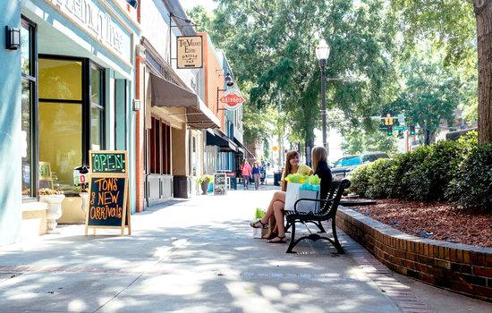 Milledgeville Visitor Information Center: Great American Main Street