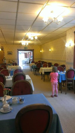 The Ashmount Hotel: Breakfast room