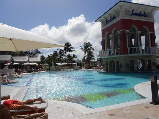 Sandals Grande St. Lucian Spa & Beach Resort: Pool view