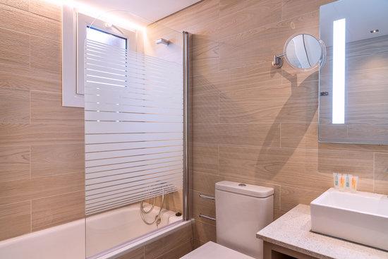 Aparthotel Orquidea : Premium Bathroom