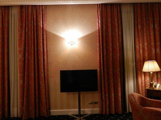 Grand Hotel Sitea : televisão grande