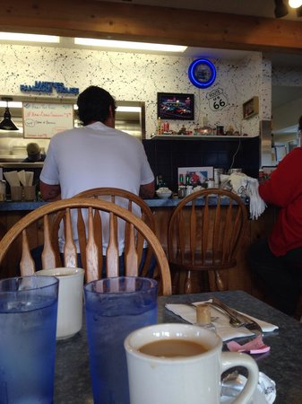 Mattie's Pancake House: Inside on a Monday morn