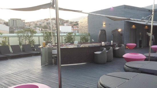 "The Vine Hotel: No Terraço do ""The Vine"""