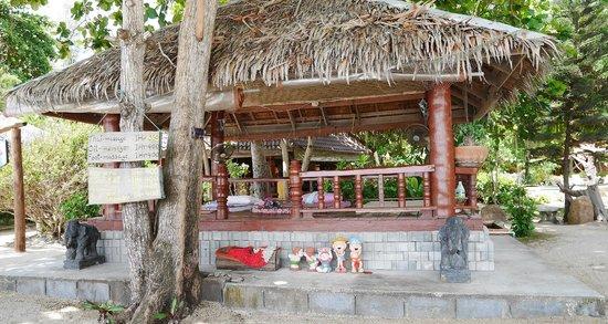 Bottle Beach 1 Resort: espace massage face a la mer
