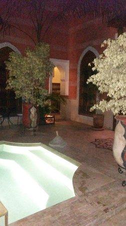 Riad Alili: Accès terrasses et suites