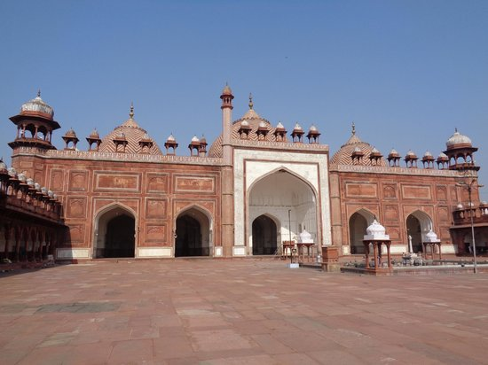 Agra Walks: Agra Mosque