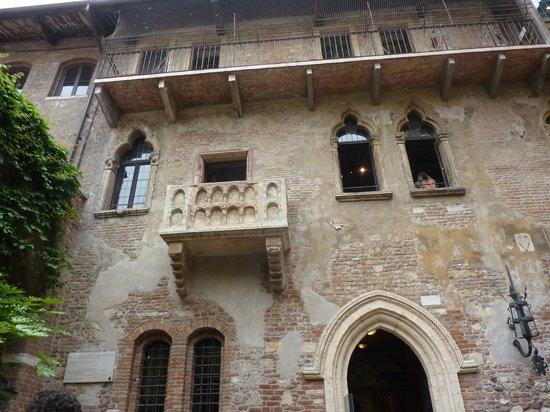 Casa di Giulietta: Балкон Джульетты