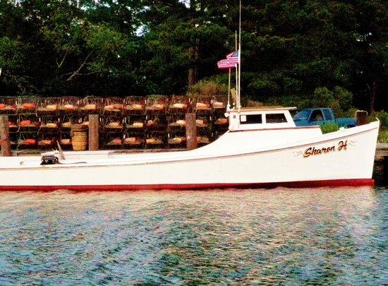 Port Haywood, VA: Working crab boat