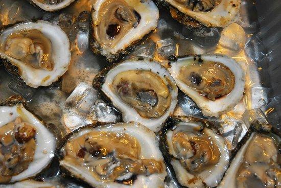 Port Haywood, Virginie : Enjoy fresh local oysters