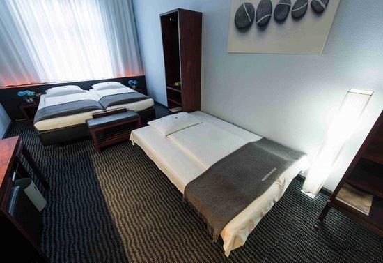 Hotel Concorde: Dreibettzimmer