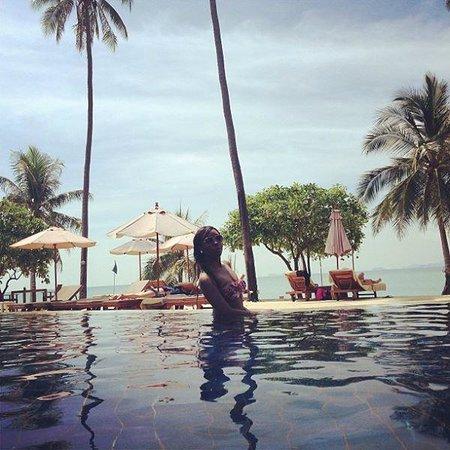 Fair House Villas & Spa : infinity pool/ beach