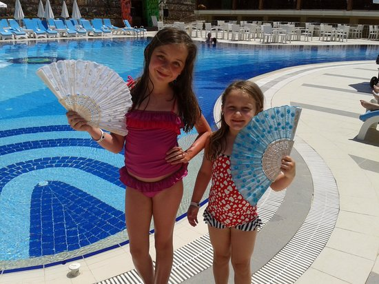 Marcan Resort Hotel : By the pool