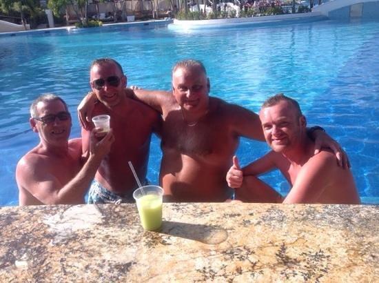 Moon Palace Golf & Spa Resort: my 2boys and my mate.
