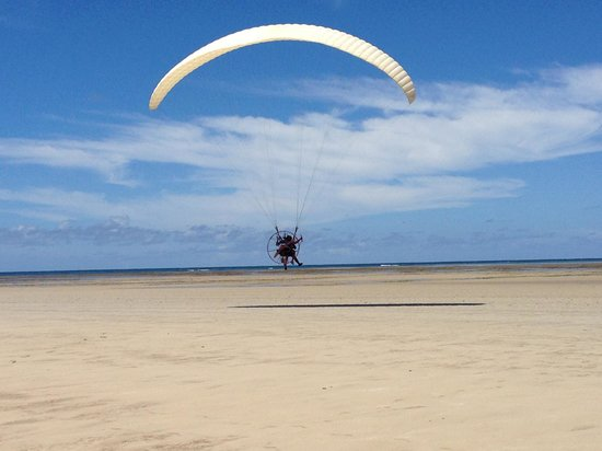 Anima Hotel: Paramotoring on Playa Encanto