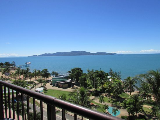 Aquarius on the Beach: Magnetic Island from balcony